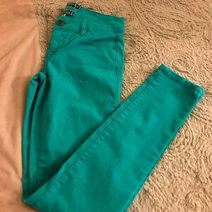 🦄Super soft vibrant teal skinny jeans